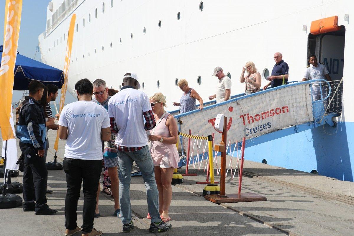 Thomson Spirit Gemisi Mersin Limanında
